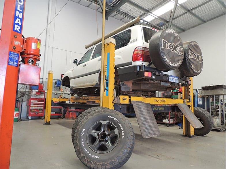 4WD service workshop